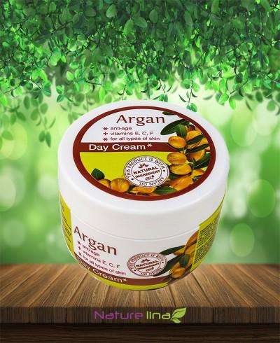 Дневен Овлажняващ крем против бръчки с масло от Арган и Витамини